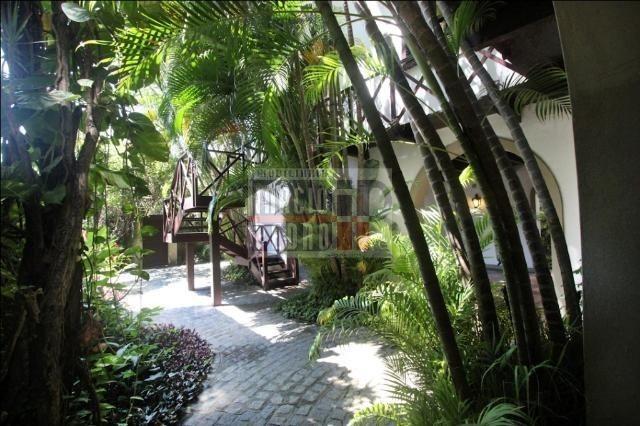 [A807] Casa com 5 quartos, sala para 4 ambientes, 361 m² de área construída - Foto 9