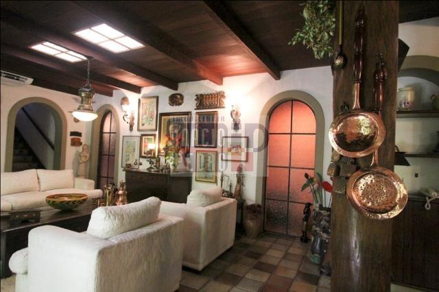 [A807] Casa com 5 quartos, sala para 4 ambientes, 361 m² de área construída - Foto 13