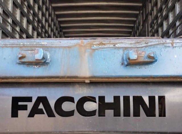 Caminhão VW 24450 6x2 Truck com baú 10,50 m #Entrada R$10.196,00 #Parcela R$2.393,00 - Foto 9