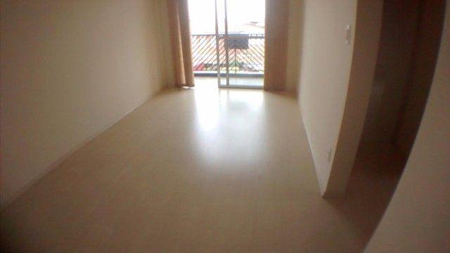 Apartamento com 1 dormitório para alugar, 55 m² por R$ 800,00/mês - Jardim Flamboyant - Ca - Foto 2
