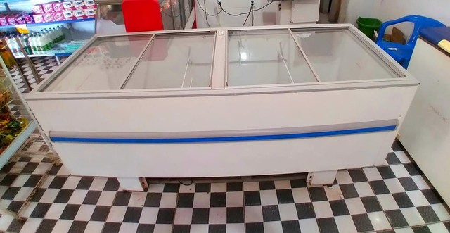 Vendo Freezer Ilha GELOPAR 520L - Foto 6
