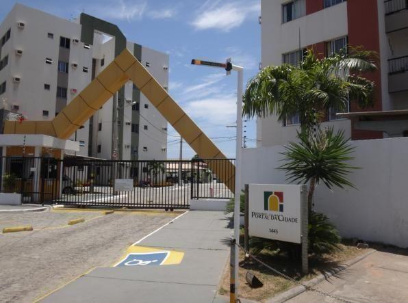 Apartamento no Condomínio Portal da Cidade, Bairro Aeroporto
