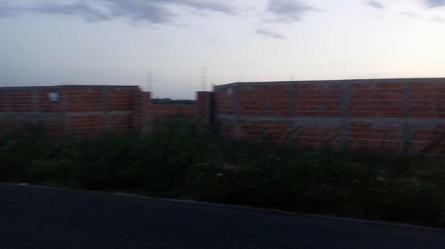 Terreno murado na Rodovia na Estrada de Lamarão Preço pra vender logo