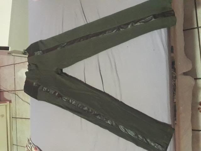 Calça montaria marrom com detalhes em couro tamanho P - Foto 2