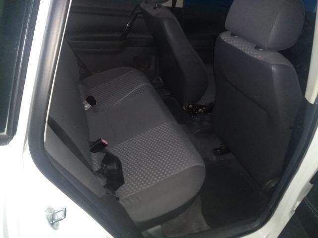 Polo Hatch 1.6 ano 2005 branco 4 portas completo emplacado 2019 troco - Foto 10