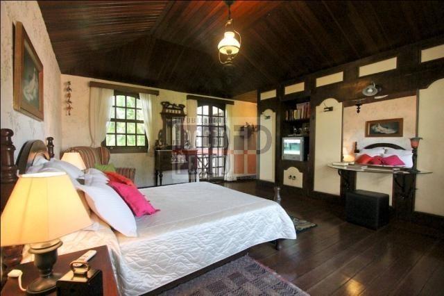 [A807] Casa com 5 quartos, sala para 4 ambientes, 361 m² de área construída - Foto 16