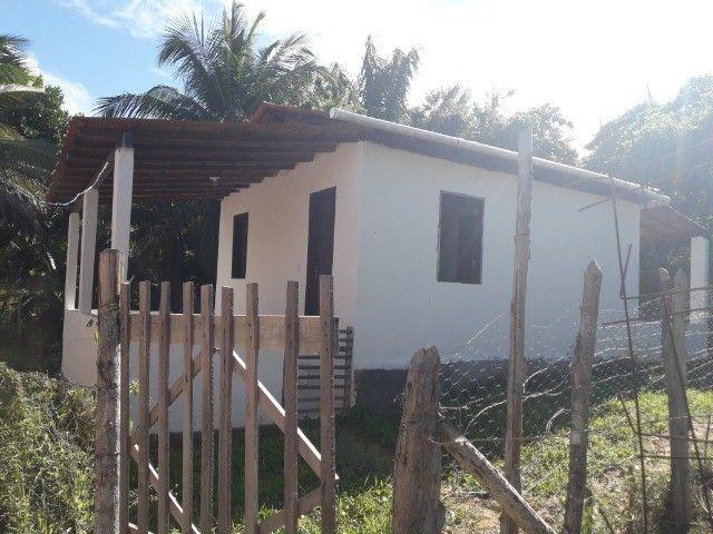 Alugo casa com varandas e quintal - Foto 2