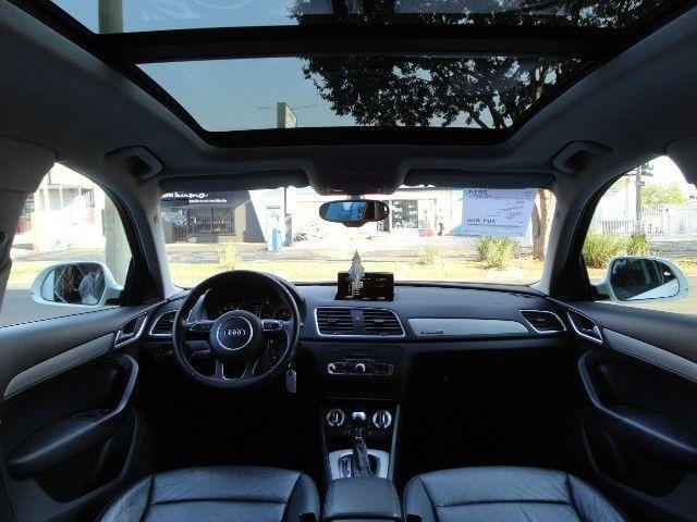 Audi Q3 2.0 Ambiente Quattro + Teto Panorâmico  - Foto 9