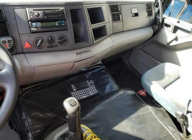 Caminhão VW 24450 6x2 Truck com baú 10,50 m #Entrada R$10.196,00 #Parcela R$2.393,00 - Foto 3