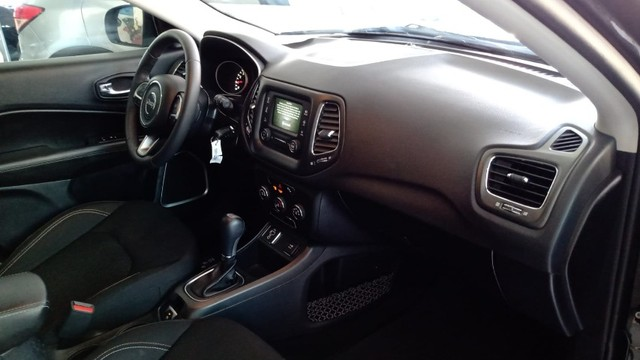 Jeep Compass 2.0 sport automatica 2017 - Foto 6