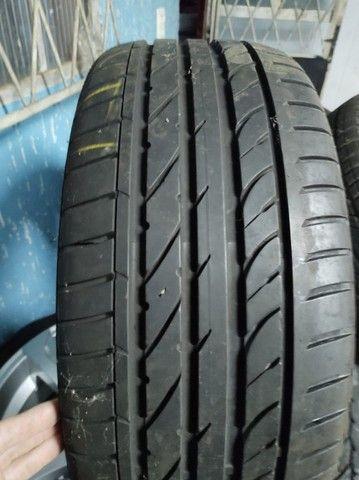 Roda aro 20 com pneu 225 35ZR20 - Foto 2