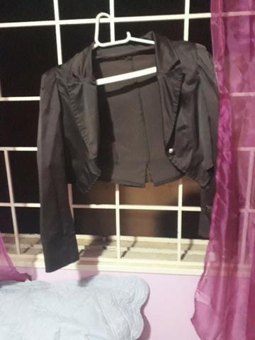 Jaqueta marrom curta tamanho M