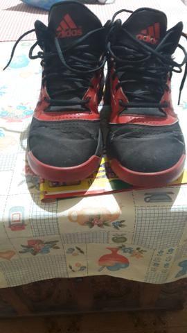 Vendo Tênis Adidas pra Basquetebol - Foto 2