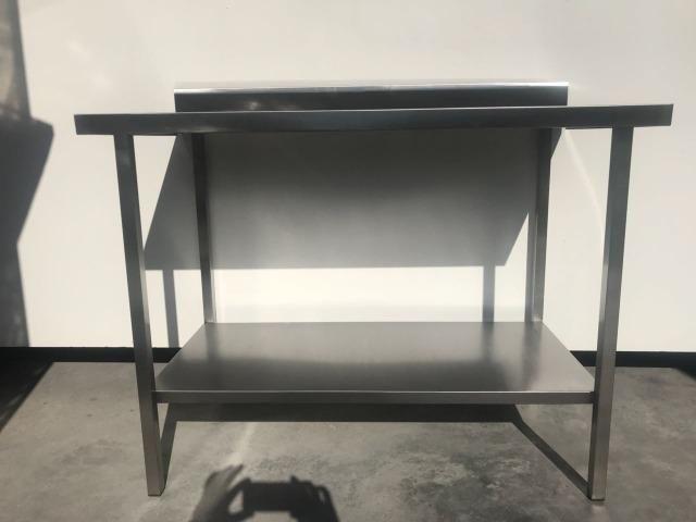 Mesa Inox AISI 430 com prateleira lisa - Preço Barbada condição diferenciada - Foto 2