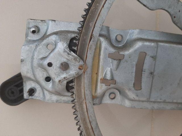 Elevador de vidro manual corsa classic 2011 - Foto 2