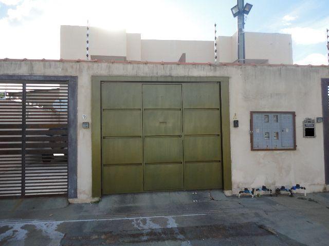 Casa no bairro Flodoaldo Pontes Pinto com 3 quartos - CA0041