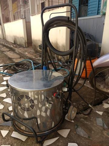 Máquina de vapor para lavagem automotiva e serviços gerais