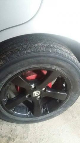 Aro com pneu 15 para trocar em 13 ou 14 só troca