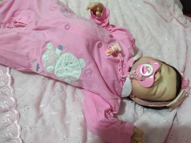 Boneca colecionável baby reborn