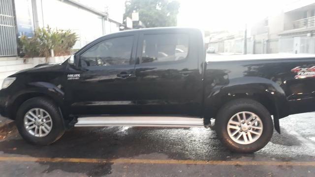 Vendo ou troco Hilux SRV 3.0 2014/2015 automática preta