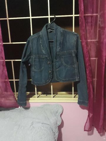 Jaqueta jeans curta tamanho M