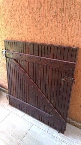 Portão de madeira - Foto 2