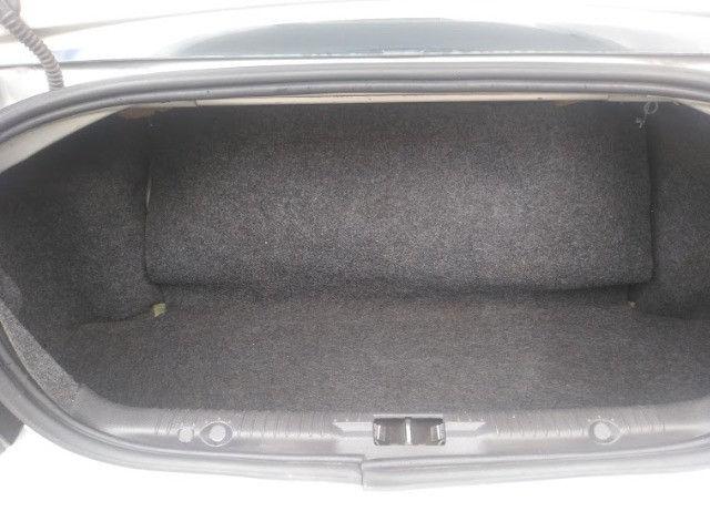 Ford Fiesta Sedan 2012 1.6 c/ GNV - Foto 6