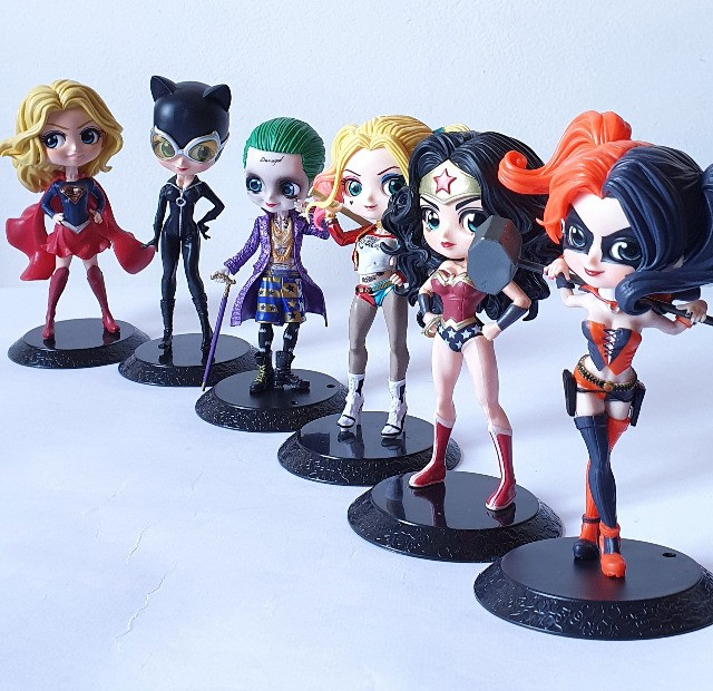 Boneca Alerquina, Super Girl, Mulher Gato, Mulher Maravilha e Coringa - Foto 5