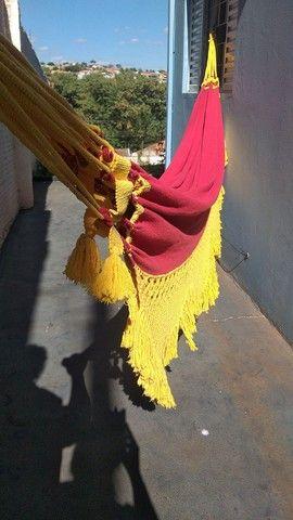Rede de Descanso Vermelho/ Amarelo - Varanda em Macramê - Foto 3
