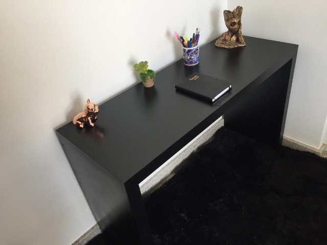 Mesa/ escrivaninha/ escritório/computador/ aparador preta MDF novo