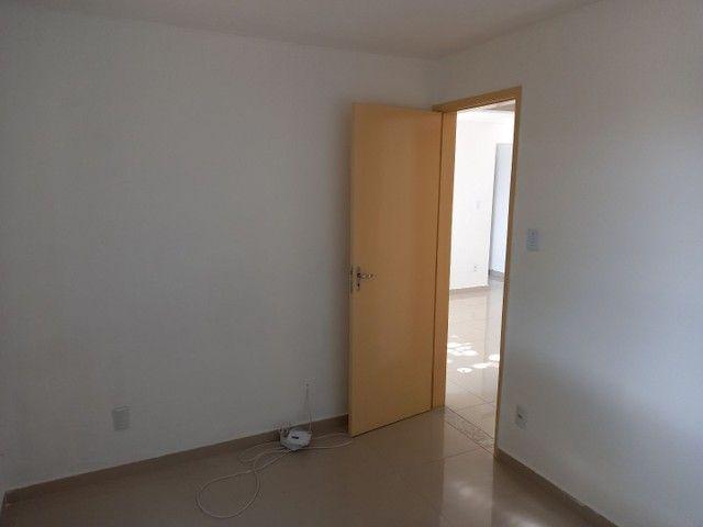 Excelente apartamento reformado em Realengo no Cond. Limites - Foto 9