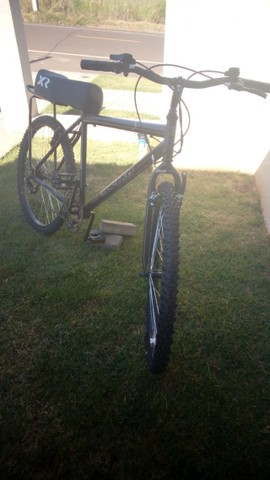 Bicicleta aro 26 novíssima  - Foto 2