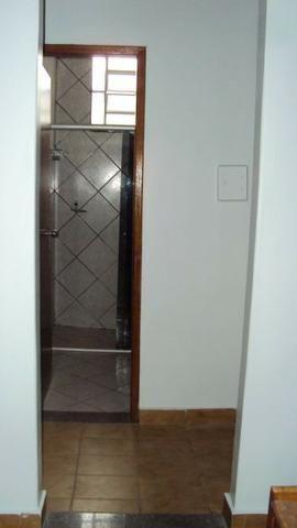 Casa de 5 quartos - 2 suítes - Bairro Feliz - Goiânia-GO - Foto 7