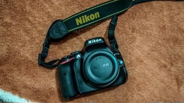 Nikon D5100 + Lente Nikkor 18-105 VR + Nikkor 35mm 1.8 + Bateria Extra - Foto 3