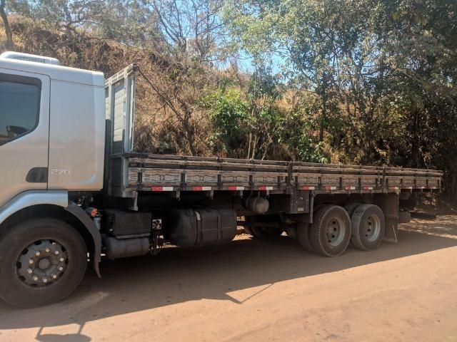 Carroceria madeira Itabaiana 8'5 mais encerado ( valor a parte) - Foto 6