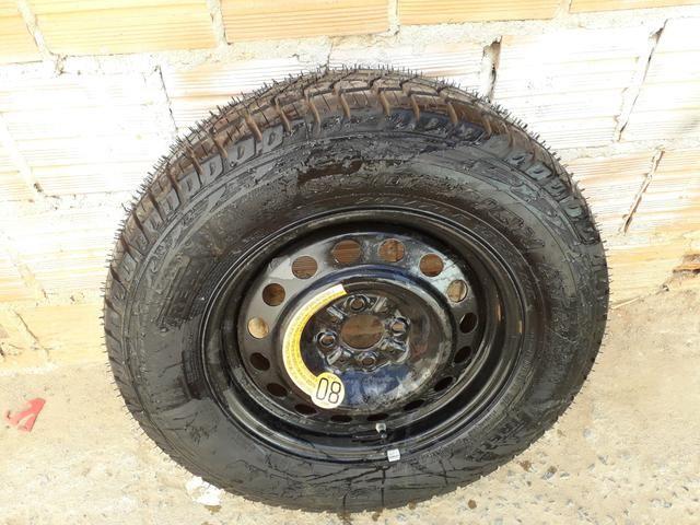 Vendo pneu de estrada - Foto 2