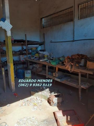 Galpão coberto, lote 360 m² em Aparecida de Goiânia, boa localização - Foto 2