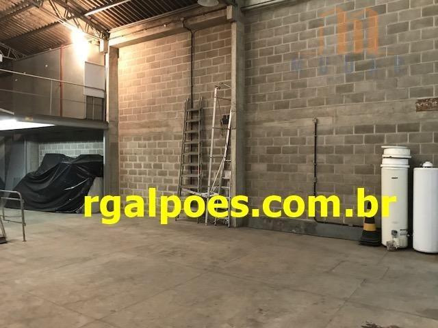 Galpão 650m², 5 salas, 6 banheiros, elevador industrial e recepção - Foto 3