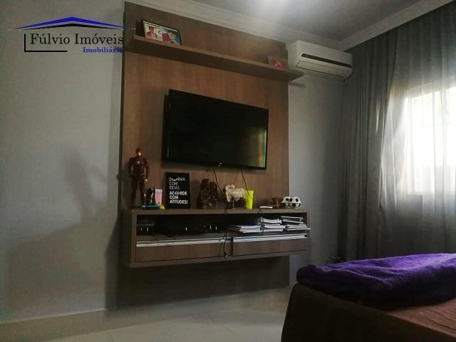 Maravilhosa casa moderna, completa em armários, ar condicionado, 05 quartos, 04 com suítes - Foto 6