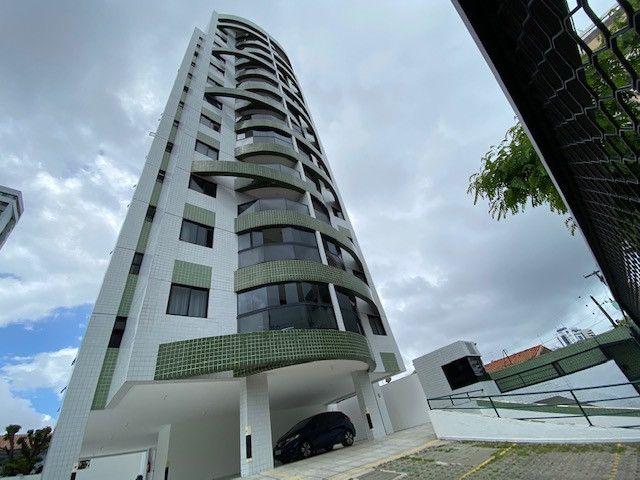 Apartamento em Olinda, 100m2, 3 quartos, 1 suíte, 2 vagas, ao lado do Patteo e FMO