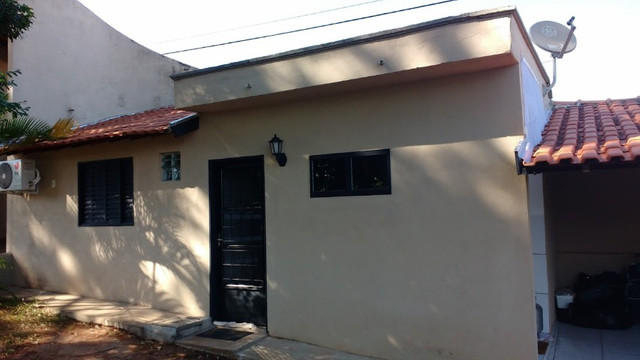 Alugo chalet tipo studio em local nobre e seguro,frente p/ BR153, próx. Iguatemi - Foto 3