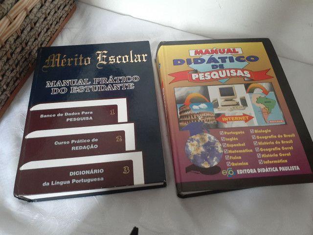 Livros para pesquisa e estudos.