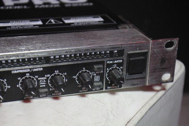 Compressor Behringer Pro MDX 2200 - Troco em Ar Split - Foto 6