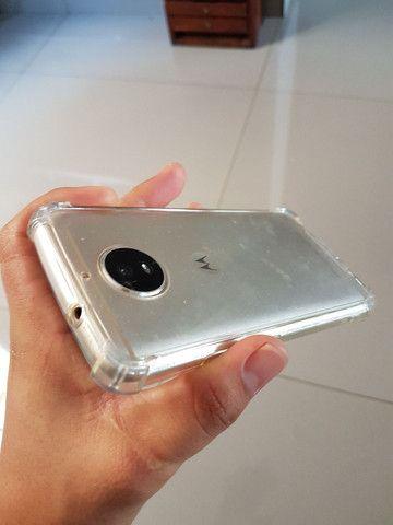 Moto G5s 32Gb top apenas peq trinco na tela. - Foto 4