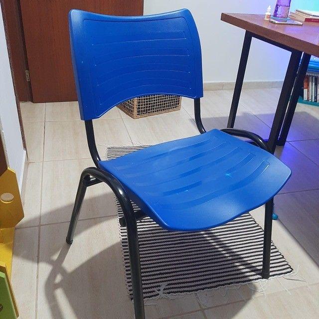 Cadeira  Plástica Empilhada - 2 unidades