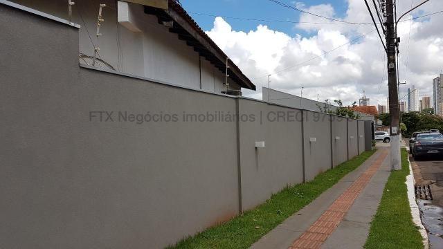 Imóvel com dupla aptidão, construção ampla, possuindo uma área total construída de 450 m² - Foto 6