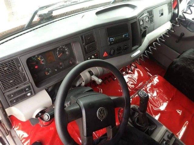 Caminhão 24250 caçamba - Foto 9