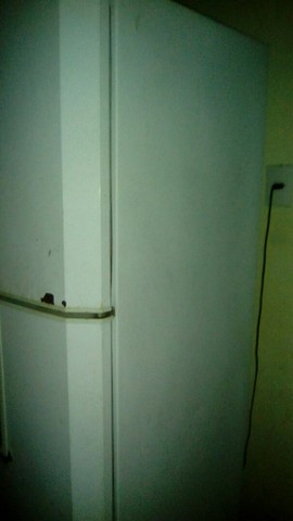 Geladeira usado mais gelando muito bem  - Foto 4
