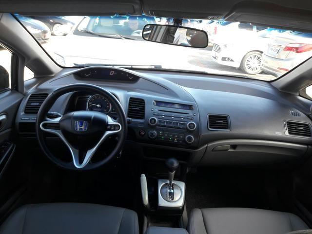 Honda Civic LXS 1.8 2010 Volante Multifuncional, Bancos Couro, Pneus Novos - Foto 7