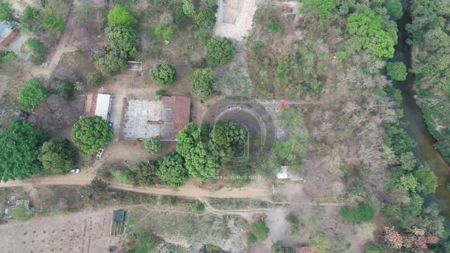 Chácara 13 km de cuiabá beira do rio coxipó - Foto 12